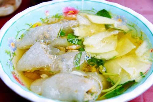Bánh bột lọc chan Hà Nội
