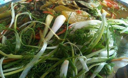Cá chép om dưa Hà Nội