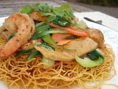 Đậm đà món mì xào hải sản Bình Thuận