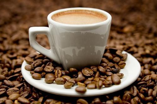 Dễ chết sớm nếu uống hơn 4 ly cà phê mỗi ngày