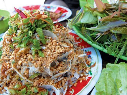 Gỏi cá trích Tam Thanh Quảng Nam