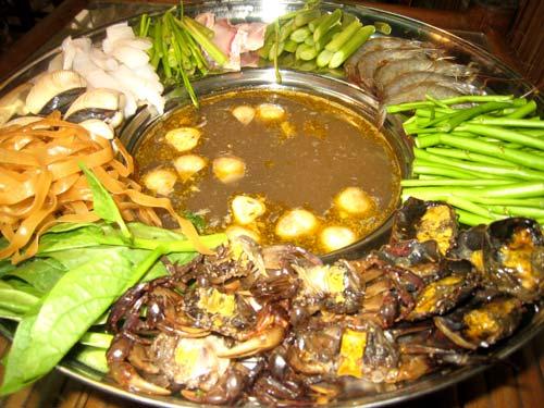 Lẩu cua đồng Bình Thuận