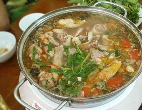 Lẩu vịt măng cay Hà Nội