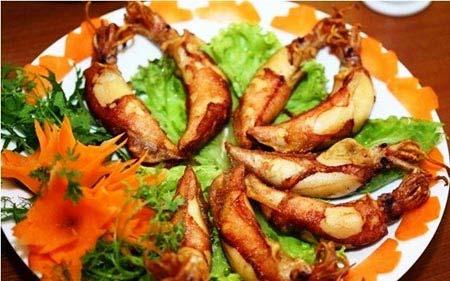 Mực trứng nướng sa tế Bình Thuận