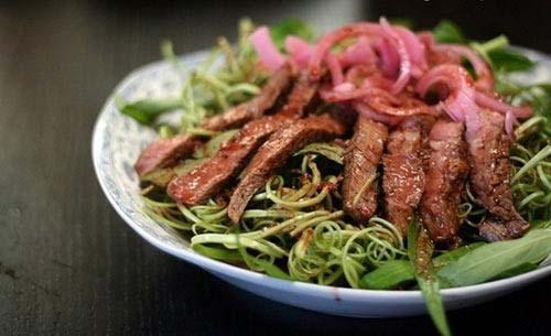 Nộm rau muống thịt bò xứ Huế