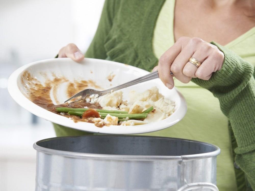Những căn bệnh nguy hiểm khi sử dụng thức ăn thừa
