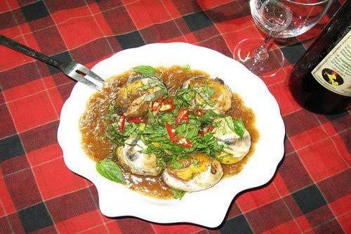 Trứng cút lộn xào me Đà Nẵng