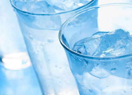 Uống nước buổi sáng lúc bụng rỗng