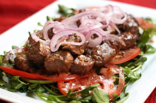 Đậm đà, hấp dẫn với món thịt bò lúc lắc ngon đúng điệu
