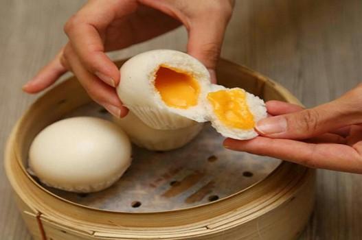 Chinh phục bánh bao kim sa nhân trứng muối tan chảy
