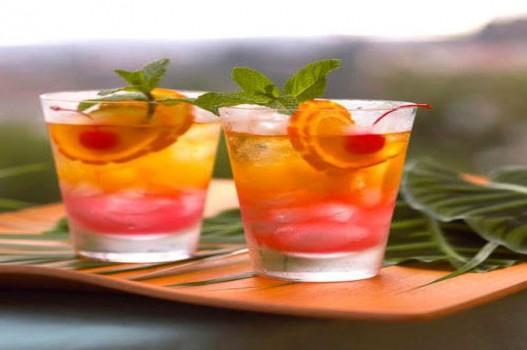 Pha chế cocktail cam tươi thơm mát và đơn giản