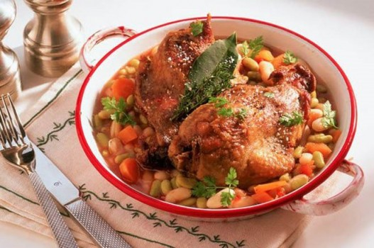 Cách làm món thịt gà hầm đậu – Cassoulet hương vị Pháp