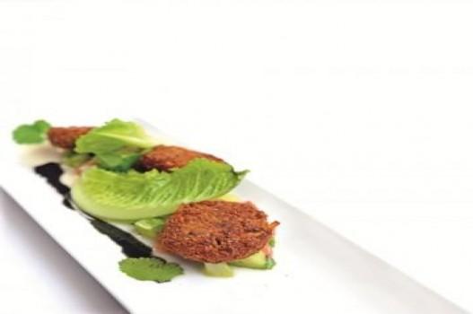 Hạt sen xốt salad