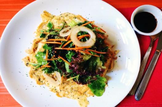 Salad trứng chiên