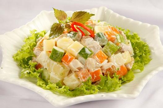 Salad thịt gà khoai tây