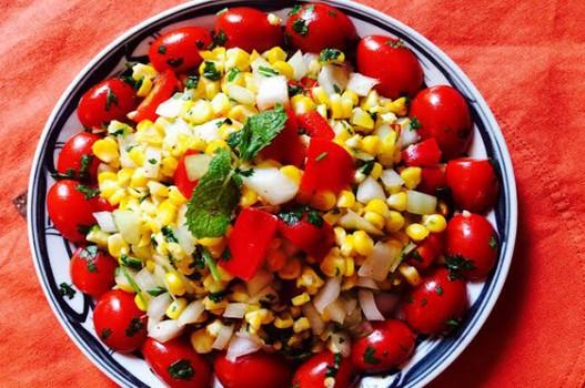 Salad ngô nướng cho bữa ăn thêm sắc hương
