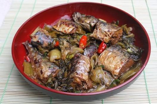 Cá kho dưa cải