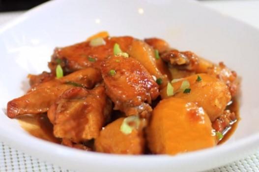 Cánh gà kho khoai tây