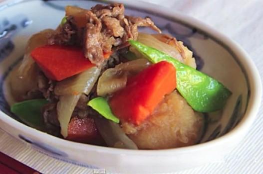 Thịt bò hầm củ quả kiểu Nhật